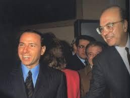 Prawowitość: historyczne porównanie pomiędzy Craxim a Berlusconim
