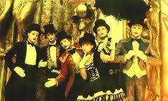 Paparazzi  Il varsaviano Teatr Akt conquista la Sicilia