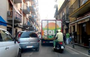 Italia-Polonia, guida semiseria di sopravvivenza: regole a tavola e anarchia al volante!