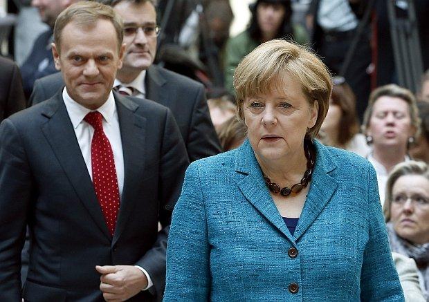 """Angela Merkel: """"L'Europa ha bisogno di persone capaci, oneste e sicure come Donald Tusk"""""""