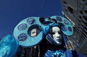 Carnevale: maschere e sospensione delle regole per lasciar sfogare il popolo