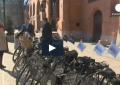 Dipendenti pubblici ''al verde'' in Polonia: al lavoro in bicicletta