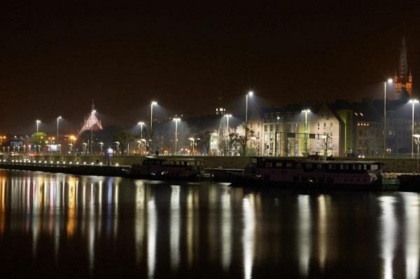 Smart city: Stettino, in Polonia la città illuminata con i LED (VIDEO)