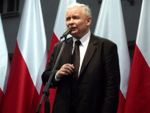 Polonia Oggi: Sondaggio CBOS: PiS stacca tutti col 40% dei consensi