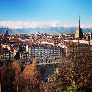 Torino: tra un caffè e un tramezzino, tutte le sfumature dello shopping