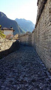 Venzone  w Friuli –Wenecji Julijski: Wśród średniowiecznych murów, mumii i dyń