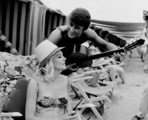 Gwiazdy i paparazzi w szalonych latach 60-tych!