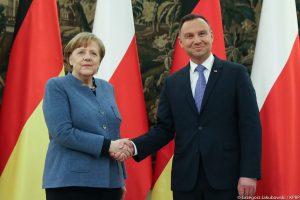Polonia Oggi: Merkel in visita a Varsavia incontra Morawiecki e Duda