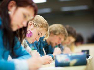 Polonia Oggi: Gli studenti di Varsavia tra i migliori al mondo secondo l'OCSE